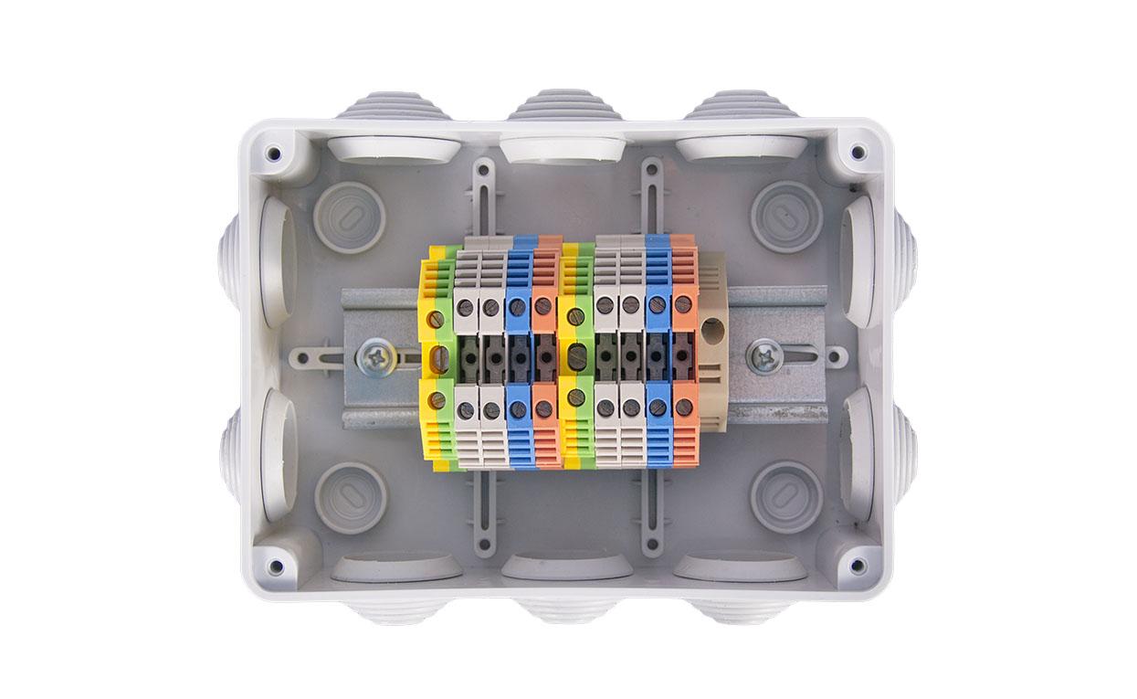 Коробка соединительная для подключения цифровых датчиков индустриального исполнения на измерительные линии большой длины