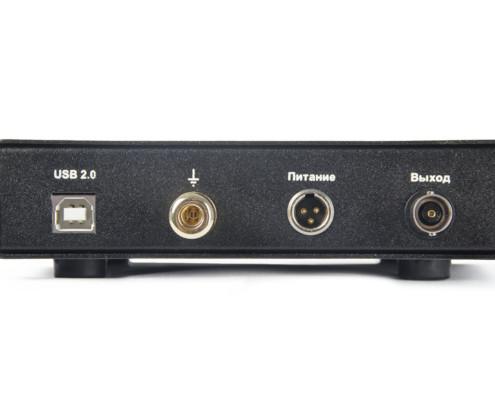 Усилитель заряда ZET 440 задняя панель