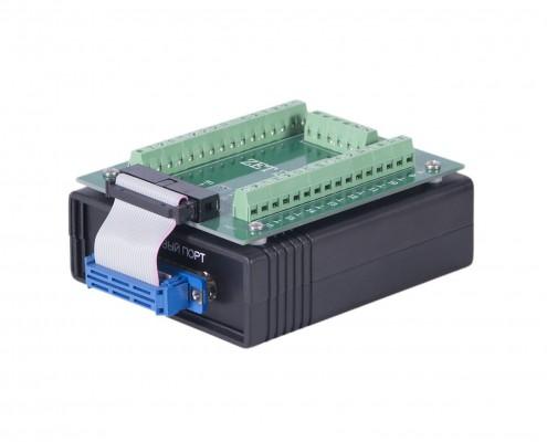 ADC / DAC 모듈 ZET 220. 외관