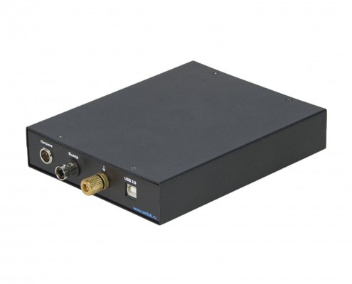 ZET 440 Charge Amplifier - side view 2