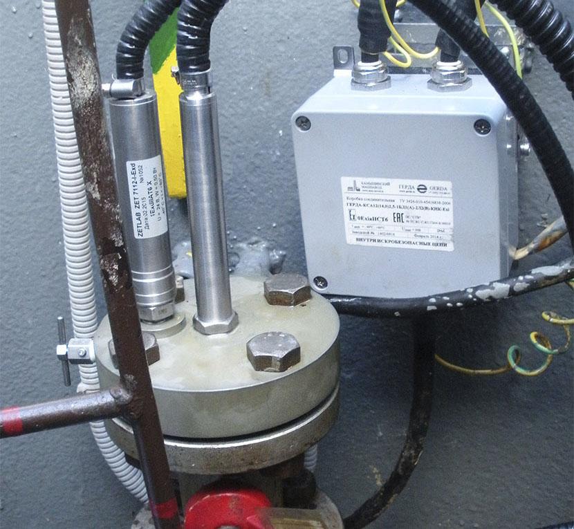 Цифровой гидрофон и датчик давления на контролируемом объекте
