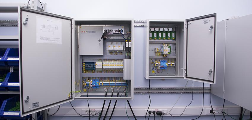 Цифровой электротехнический шкаф