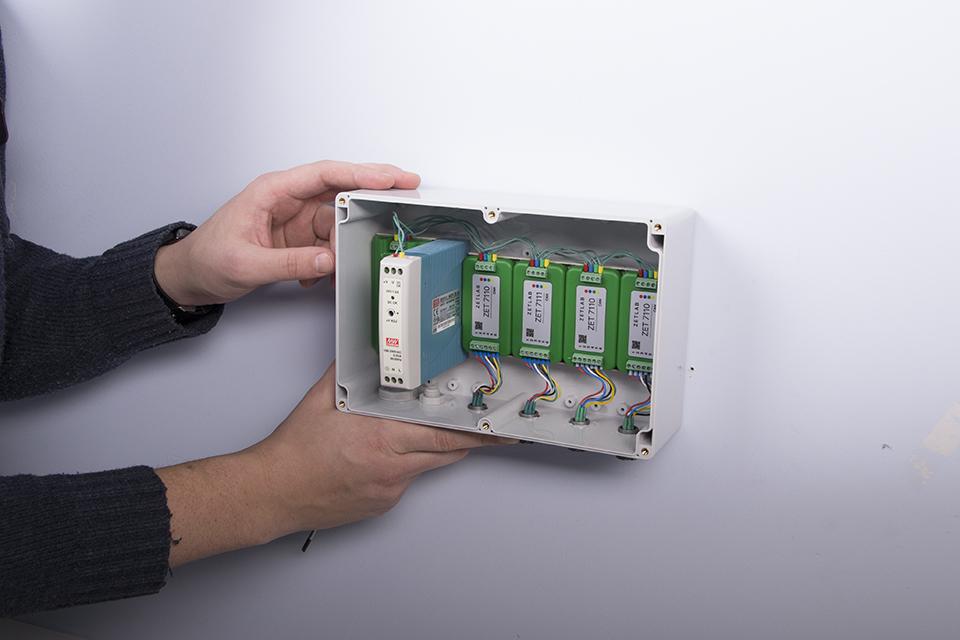 Монтаж системы сейсмического обнаружения для лифтов