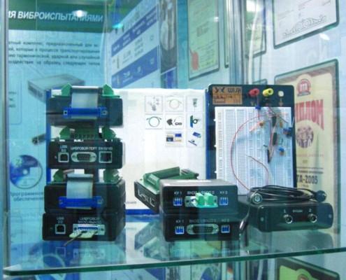 Новые модули АЦП и осциллограф очень заинтересовали посетителей выставки