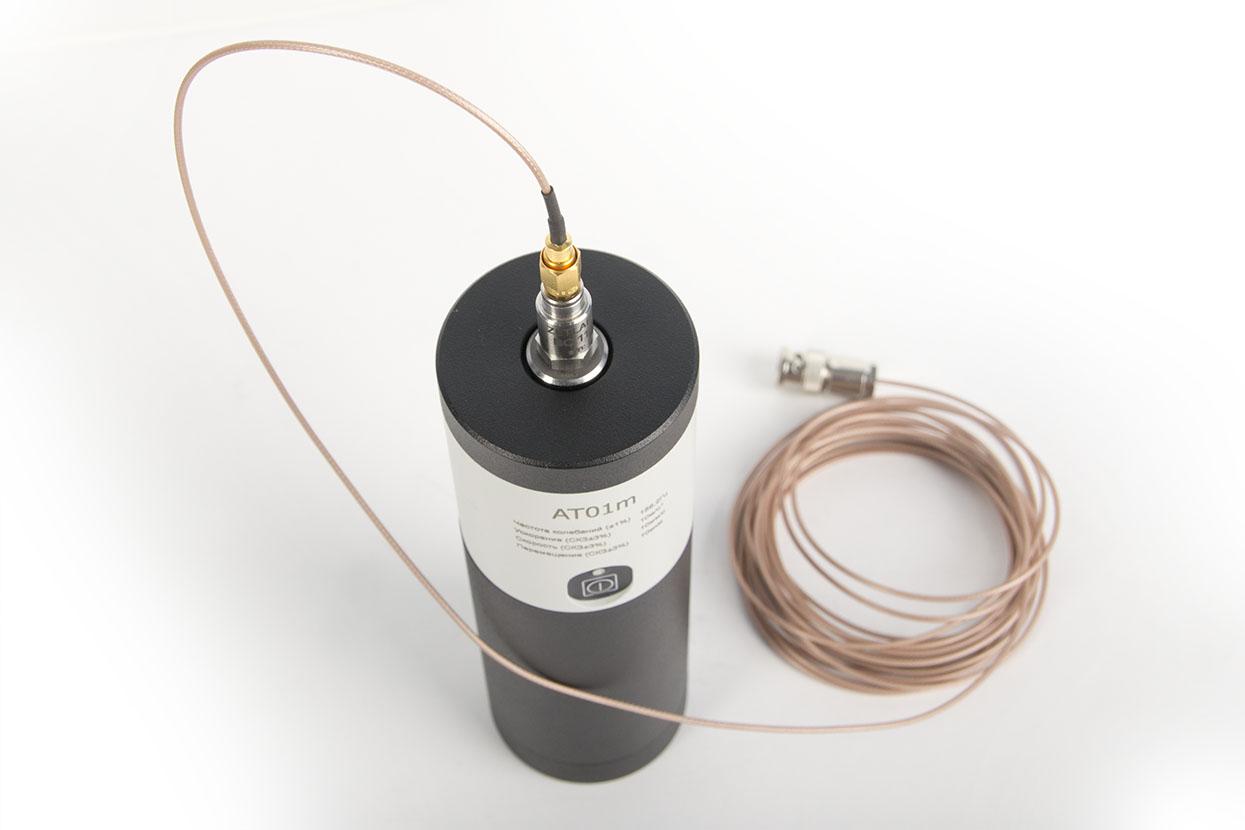 Виброкалибратор портативный AT01m в комплекте с калибруемым датчиков ВС110