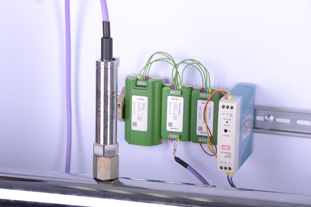 Цифровой датчик на месте измерений, установленный с помощью арматуры