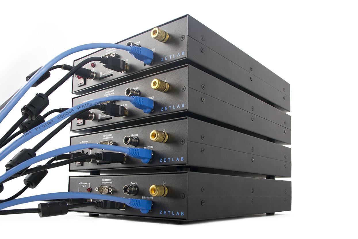 ZET 017-U32 - rear panel - connection ports