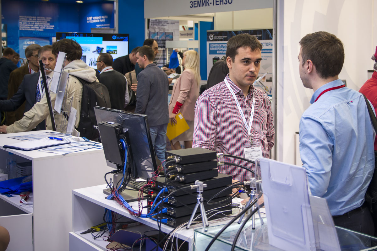 FFT-Spectrum-analyzers-by-ZETLAB-Company-displayed-and-the-exhibition-Control-Days-2019