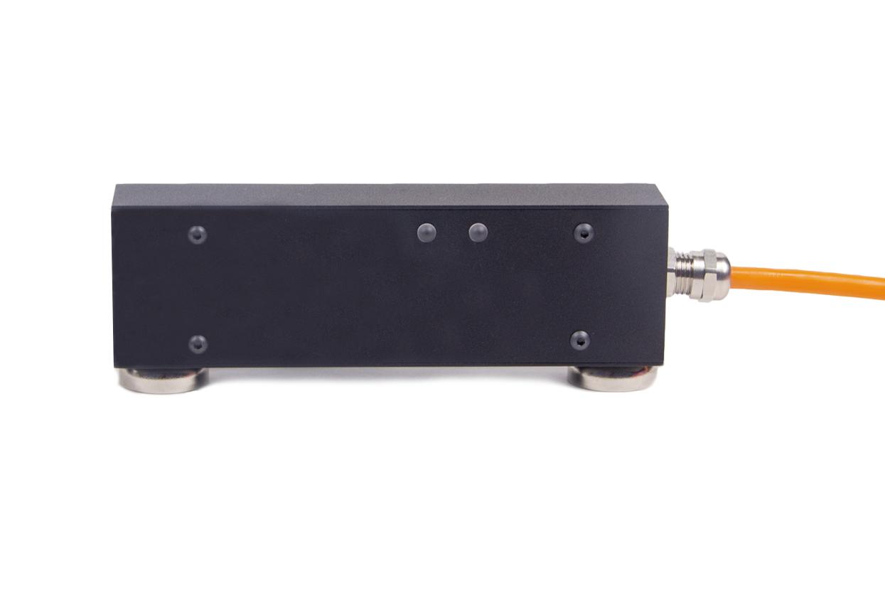 Digital strain gauge transducer ZET 7110 DT for deformation control - side view